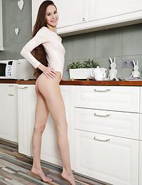 Leona Mia nude in glamour..