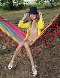 Lola Krit nude in erotic..