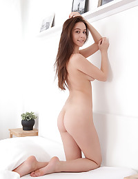 Alisa Amore nude in erotic..