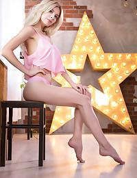 Eva Tali bare in erotic..