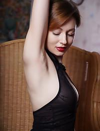 Lilu Rose nude in erotic..