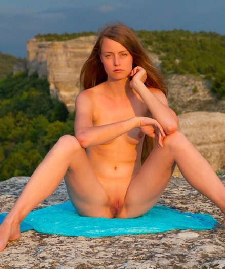 Hot red-hot shaved pussy