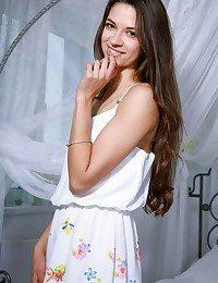 Dominika Leal nude in..