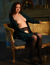 Lizette bare in glamour..