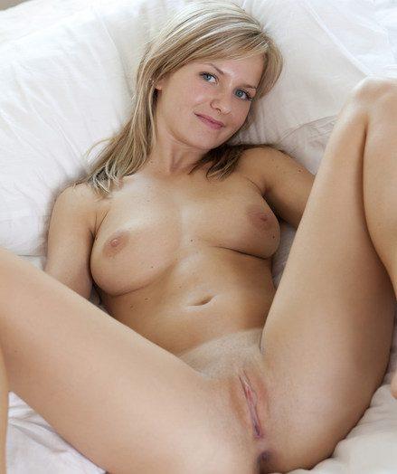 A uniquely erotic, sugar-coat rush with put emphasize jummy plus enderaing Bella C.