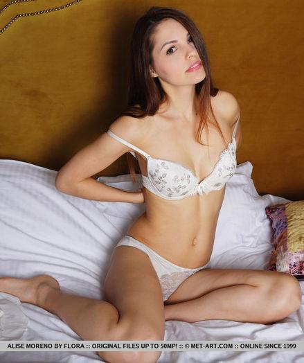 Alise Moreno bare in erotic NIADA gallery - MetArt.com