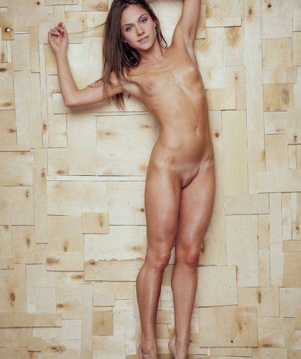 Фото голых баб с маленькой грудью